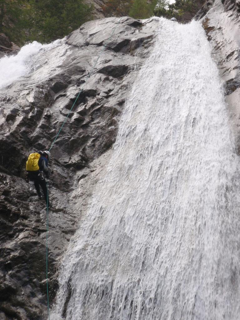Descente en rappel au Canyon de Chichin